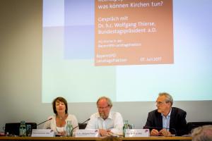 Bundestagspräsident a.D. Wolfgang Thierse zu Gast bei der BayernSPD-Landtagsfraktion zum Thema Rechtsextremismus in Kirchen