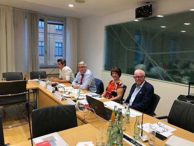v.l.n.r. Dirk Wurm, Harald Güller, Diana Stachowitz, Robin Kähler