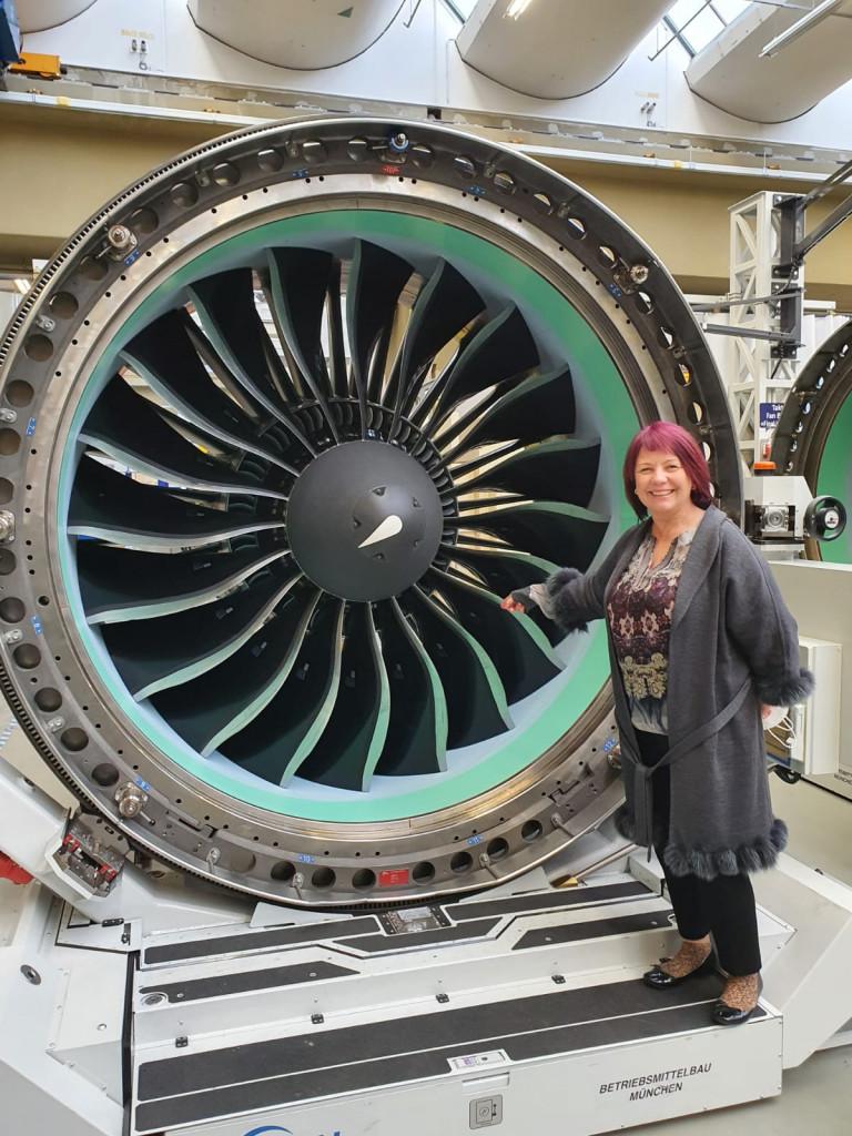 Diana Stachowitz, Landtagsabgeordnete für den Münchner Norden zu Gast bei MTU