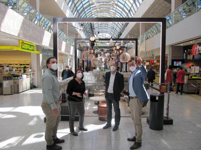 v.l.n.r.: Riad El Sabbagh, Diana Stachowitz, Wolfgang Kuhn und Serge Micarelli im OEZ (Bildrechte:ECE Marketplaces GmbH & Co. KG)
